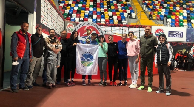 Büyükşehir Salon Kupası'nda İkincilik Elde Etti