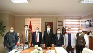 Başkan Ekrem Yüce, Yaşar Zımba'yı Ziyaret Etti