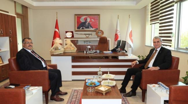 BAM Cumhuriyet Başsavıcısı Yılmaz Başkan Yüceyi makamında ağırladı.