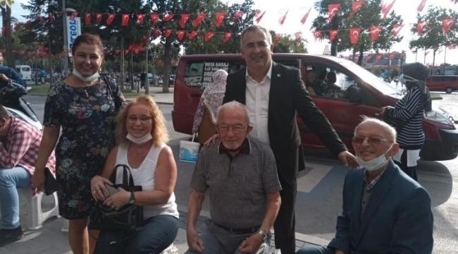 İYİ Parti Adapazarı teşkilatı Atatürk Bulvarı'nda